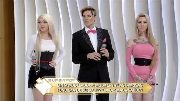 Barbie humana usa espartilho de ferro para ter cintura de boneca