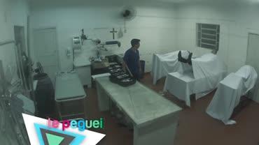 Emprego em necrot�rio vira filme de terror