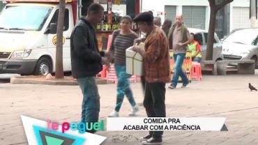 Trambiqueiro vende s� a casca do amendoim e enfurece compradores