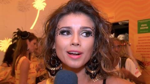 Paula Fernandes reclama de chuva: 'Atrapalha o cabelo das mulheres'