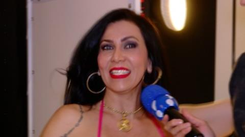 Denize Taccto faz campanha para arrumar namorado