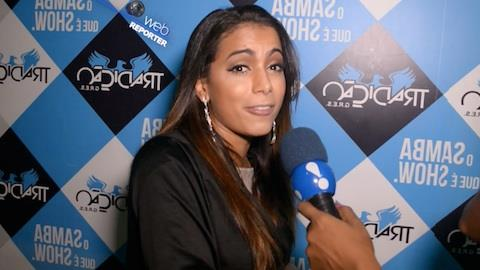 'N�o costumo procurar os sarad�es', dispara Anitta