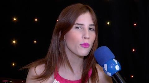 Camilla Uckers, cantora hit da web, fala de seu sucesso