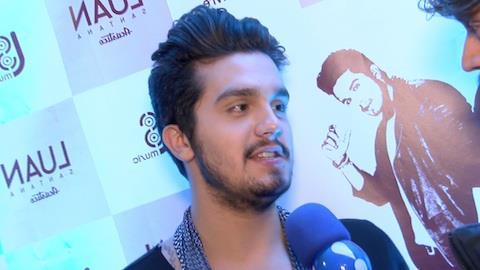 'Elvis � meu �dolo', revela Luan Santana sobre compara��es
