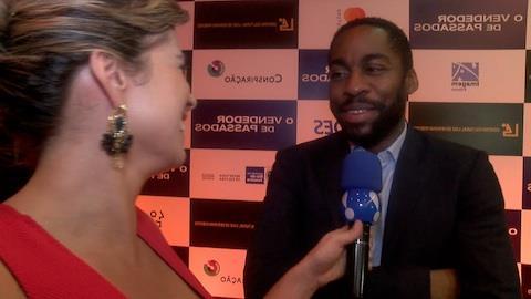 L�zaro Ramos fala das cenas quentes com Alinne Moraes em filme