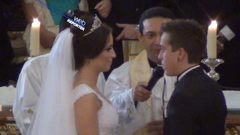 Cantor DH, da banda Cine, se casa com modelo em SP