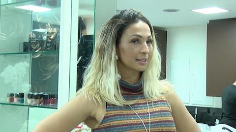 'Minhas roupas s�o todas baratinhas', afirma Valesca Popozuda