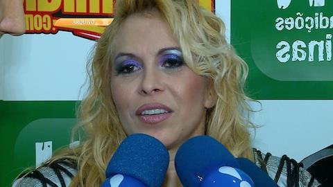Joelma � 'barrada' em show ap�s pol�mica com homossexuais