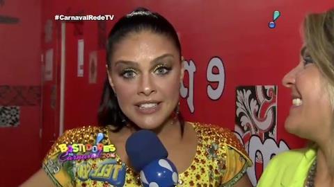 Paloma Bernardi afirma que sua fantasia vem 'na medida'