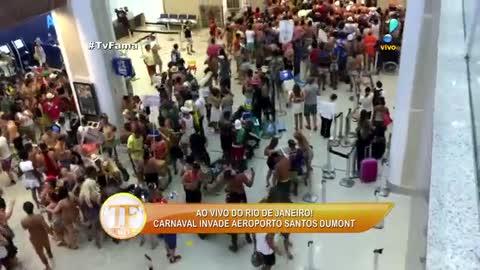 Foli�es 'fora de hora' invadem aeroporto Santos Dummont e causam tumulto