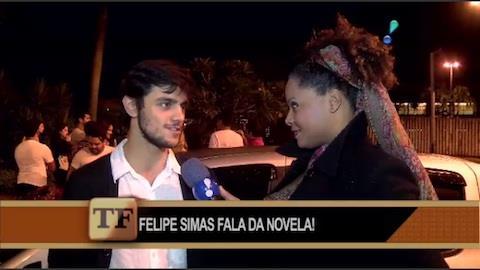 Felipe Simas fala de sucesso e de como desbancou