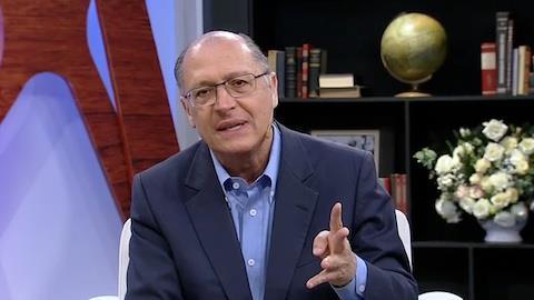 Alckmin admite 'aperto' nos trens e metrôs em SP