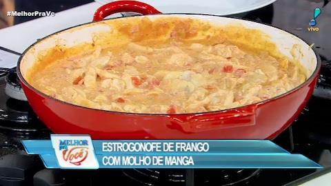 Edu Guedes ensina a fazer estrogonofe de frango com requeijão