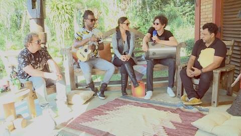 'Em Est�dio e em Cores' - Samb� fala sobre primeiro CD