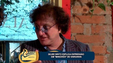 Silvio Brito solta a voz e canta grandes sucessos