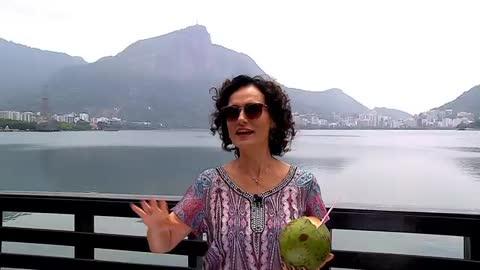 No Rio de Janeiro, Faa Morena conversa com o Grupo Bom Gosto