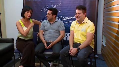 Bruno e Marrone 'trocam de lado' e entrevistam a apresentadora Faa Morena