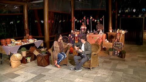 Faa Morena prop�e campanha para Amado Batista arrumar namorada