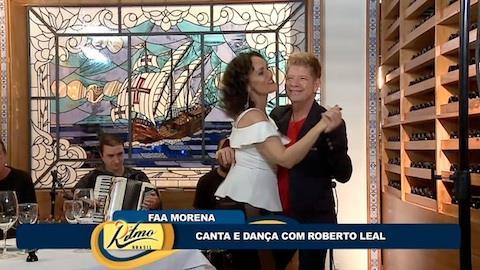 Faa Morena se diverte com Roberto Leal