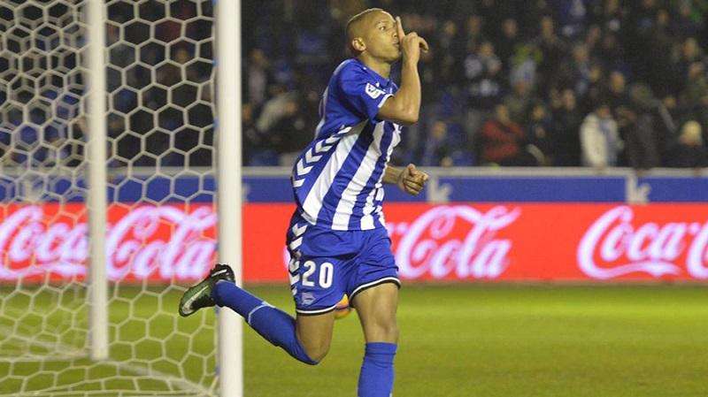 Mercado: OFICIAL - Deyverson deixa o Alavés e ruma ao Palmeiras