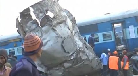 Acidente de trem mata mais de 100 na Índia