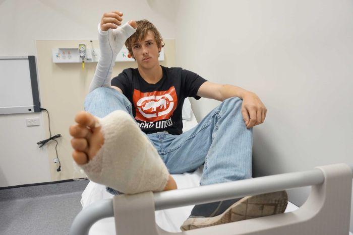 Fotos: Australiano tem dedão do pé transplantado no lugar do polegar