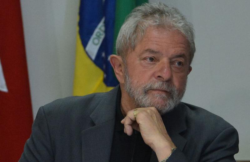 Lula deseja que o juiz Sergio Moro peça desculpas, pois se sente caluniado