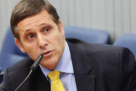 Ministério Público denuncia Fernando Capez por corrupção e lavagem de dinheiro