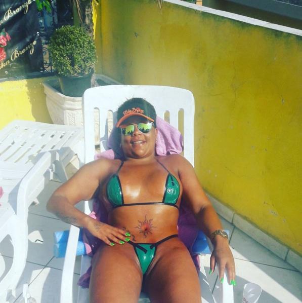 Morena calcinha marca no rabao big ass brunette delicious 21 - 4 5