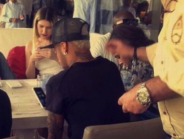 Fã flagra Bruna e Neymar juntos em Barcelona