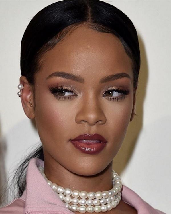 Ex-dancarina de Rihanna envia mensagem misteriosa e logo depois desaparece