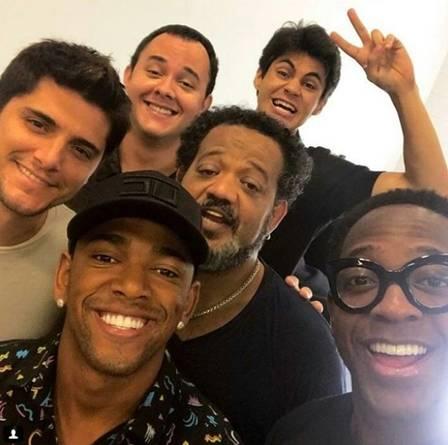 Emilly Araújo participa do novo 'Os Trapalhões' e tieta Renato Aragão