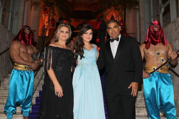 Maisa Silva faz mega celebração para comemorar seus 15 anos