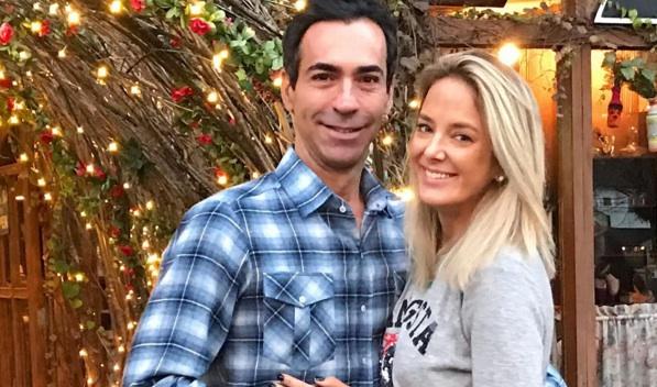 Ticiane Pinheiro e Cesar Tralli ficam noivos no Uruguai