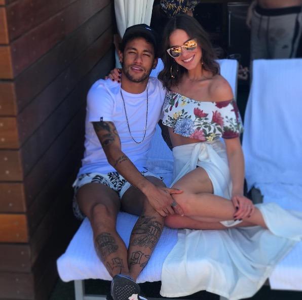 Bruna Marquezine esclarece o fim do relacionamento com Neymar