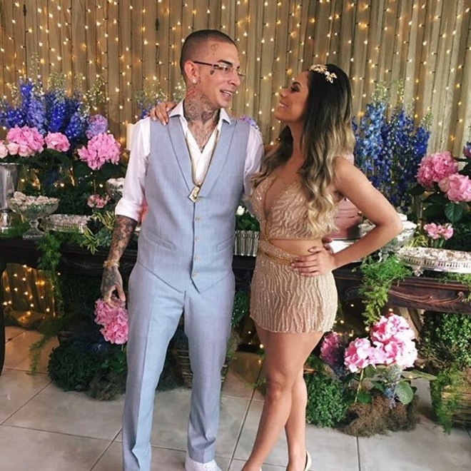 Lexa publica fotos do noivado com Guimê e internautas reprovam look:
