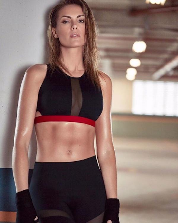 2bc02d5fd9f88 Ana Hickmann impressiona fãs ao posar sexy e com o abdômen à mostra ...