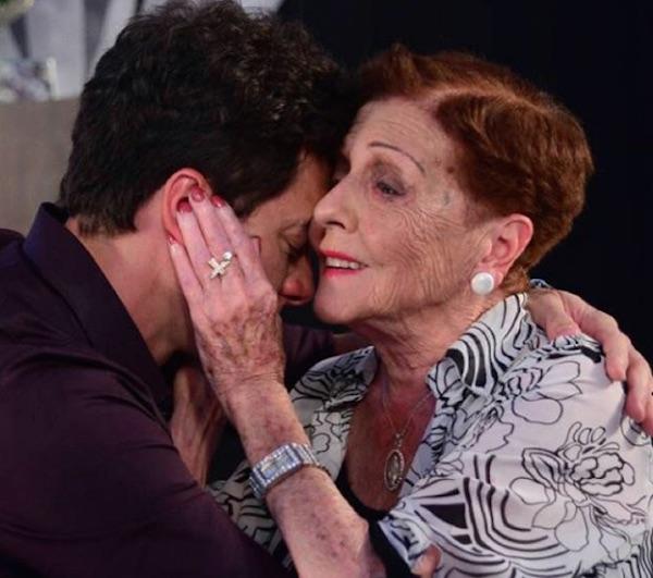 Rodrigo Faro lamenta morte da avó e cancela gravação