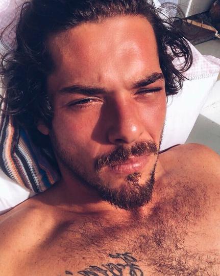 Bruno Gagliasso se emociona com Titi em vídeo de aniversário
