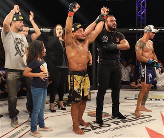 Marcos Babuíno vence Mauricio Facção no Thunder Fight 17
