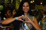 Famosas se aquecem para o Carnaval nos ensaios das escolas de samba