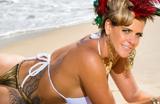 Musa da Grande Rio, Denise Rocha esbanja sensualidade em ensaio de carnaval