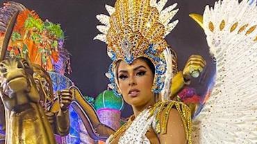 Munik Nunes posa com fantasia de Carnaval e exibe corpão cheio de curvas