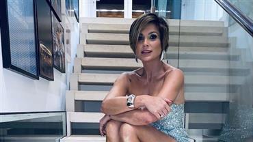 """Flávia Alessandra deixa pernões à mostra e fala sobre o Carnaval: """"Uma hora tem que acabar"""""""
