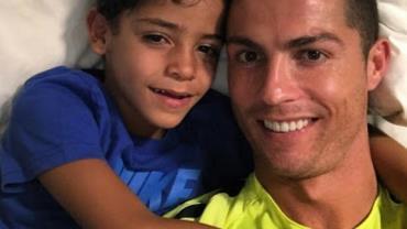 A internet transformou em memes as fotos de Cristiano Ronaldo e o filho