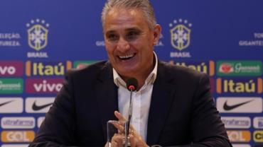 Tite renova com a CBF e segue como técnico da seleção até 2022