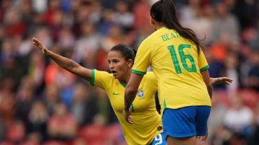 Seleção brasileira de futebol feminino faz 2 a 1 e vence Inglaterra em amistoso