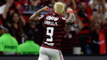 Flamengo arrasa Grêmio no Maracanã e volta à final da Libertadores