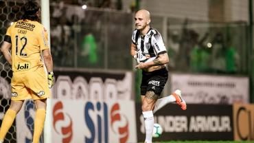 Atlético-MG supera Corinthians por 2 a 1 no Independência