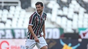 Atacante Fred, do Fluminense, testa positivo para o novo coronavírus